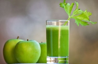 Kelly Childs' Celery, Apple and Parsley Juice