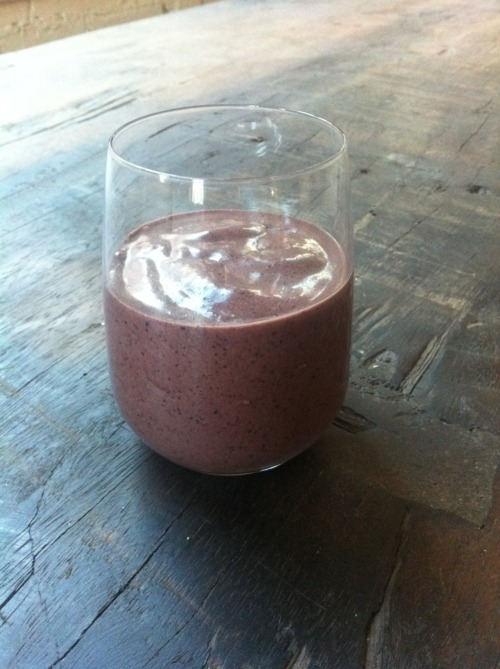 Kelly Childs' blueberry chocolate vegan smoothie in a glass