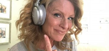 Kelly Childs | QuietBose Comfort headsets | Staples